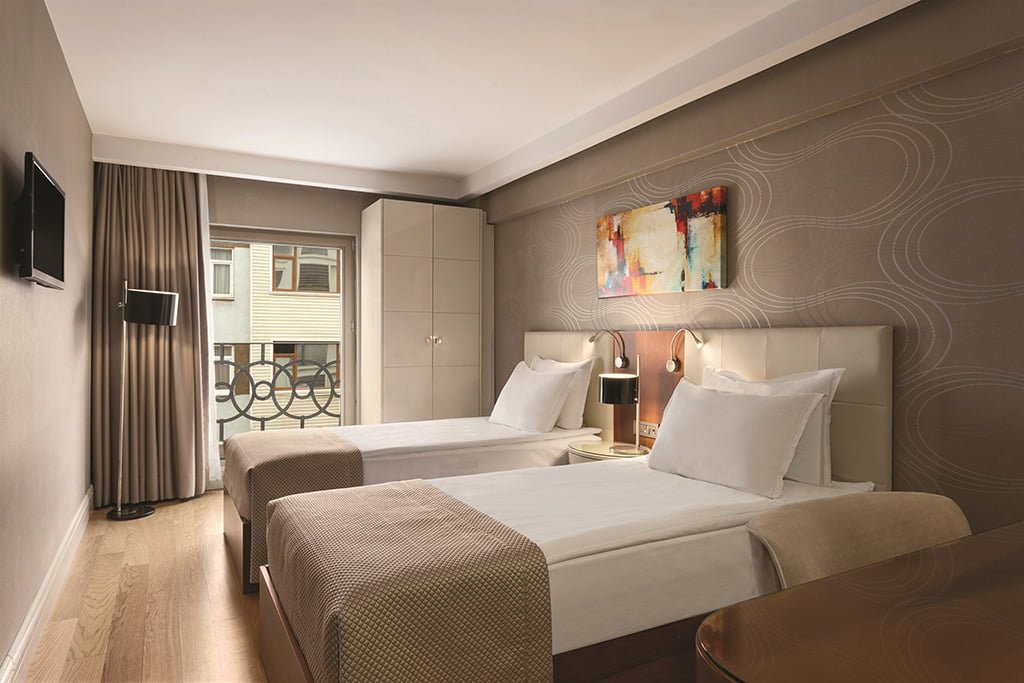 Ramada By Wyndham Istanbul Grand Bazaar Standard Triple Room